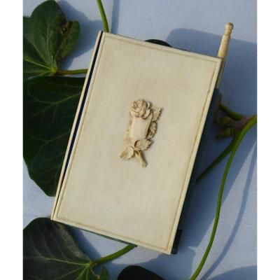 Napoleon III Period Ball Book In Ivory Carved From Dieppe Nineteenth Coat Of Arms Object Of Virtue
