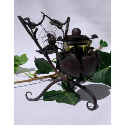 Encrier En Metal Martelé , époque Art Nouveau , Vers 1915 Insecte Toile d' Araignée 1900 Bureau