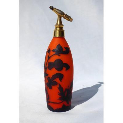Flacon à Parfum Vaporisateur époque Art Nouveau , Verre Dégagé à l'Acide 1900 Richard Loetz