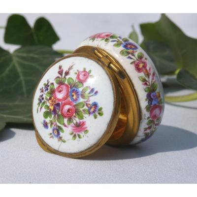 Pill Box Napoleon III Enamel Decor Flowers French Work Nineteenth Century Enamel
