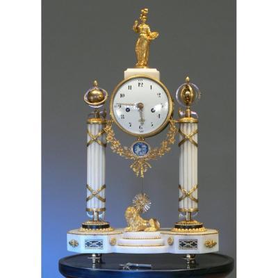 Pendule Consulat-Marbre et bronze doré