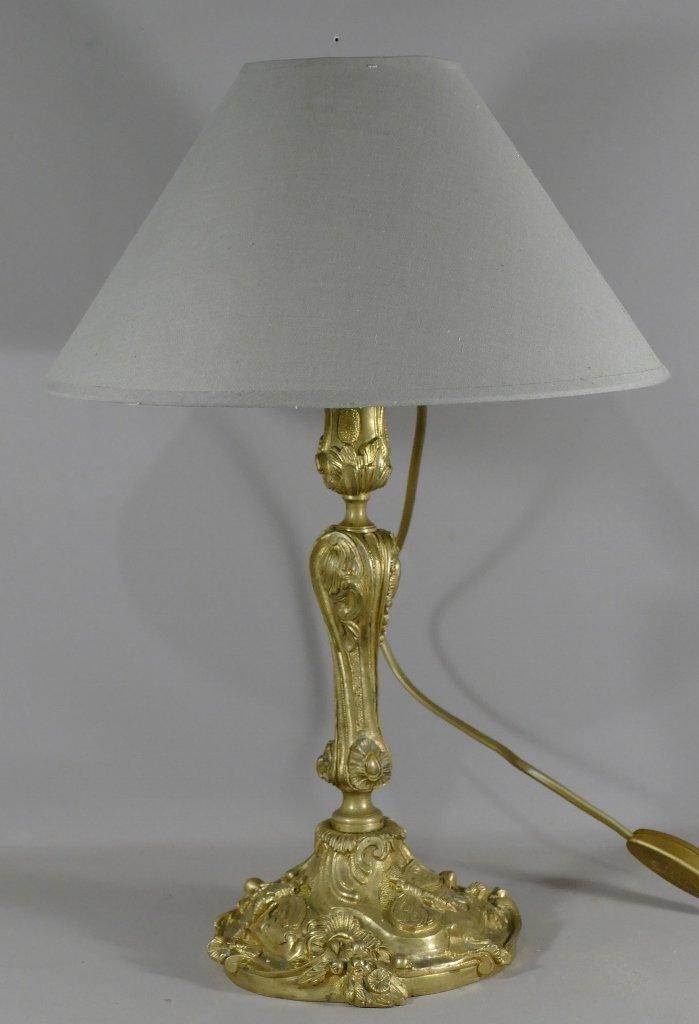 Lampe Flambeau En Bronze Doré, Décor Naturaliste Aux Insectes, Style Louis XV, époque XIX ème