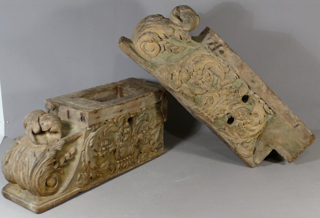 Paire De Corbeaux De Cheminée En Bois Sculpté Polychrome, époque XVIII ème