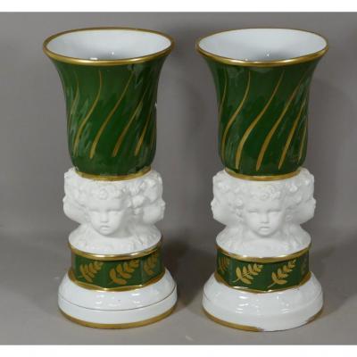 Paire De Cassolettes Aux Putti En Porcelaine De Paris Et Biscuit, époque XIX ème