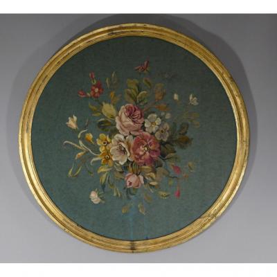 Bouquet De Fleurs, Tapisserie Au Petit Point En Tondo, 1/2 d'Une Paire, époque Début XX ème