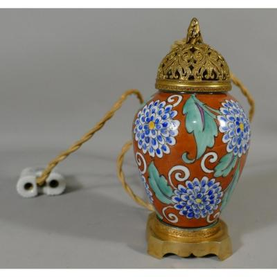 Small Porcelain Night Lamp Hand Painted, Bronze And Brass, Early Twentieth Time