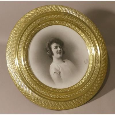Large Round Photo Frame In Chiseled Gilt Bronze Empire Style, Late Nineteenth Time