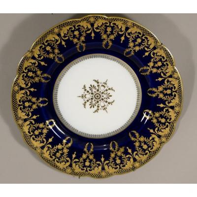 Assiette De Collection En Porcelaine Bleu De Four Et Dorure, époque Fin XIX ème