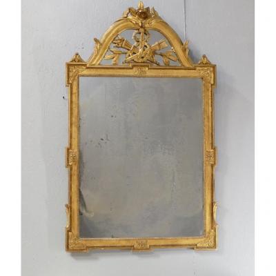 Miroir Louis XVI à Fronton à Pareclose En Bois Et Stuc Doré à La Feuille, époque XIX ème