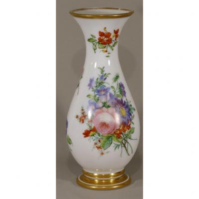 Vase En Opaline De Baccarat Peint à La Main De Fleurs, Jean François Robert, Vers 1840