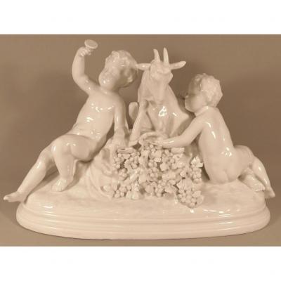 Almathée Et Putti, Sculpture En Porcelaine Capodimonte, Signée Badessi, Fin XIX ème