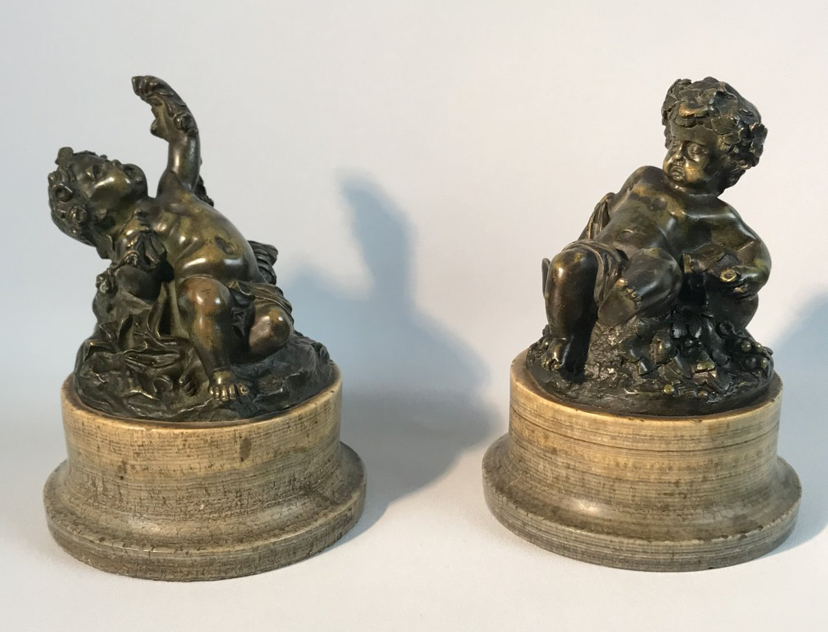 Pair Of Putti In Patinated Bronze Resting On Marble Bases Period 18 / 19th-photo-3