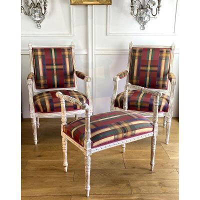 Paire De Fauteuils Et Banquette De Piano En Bois LaquÉ Blanc De Style Louis XVI