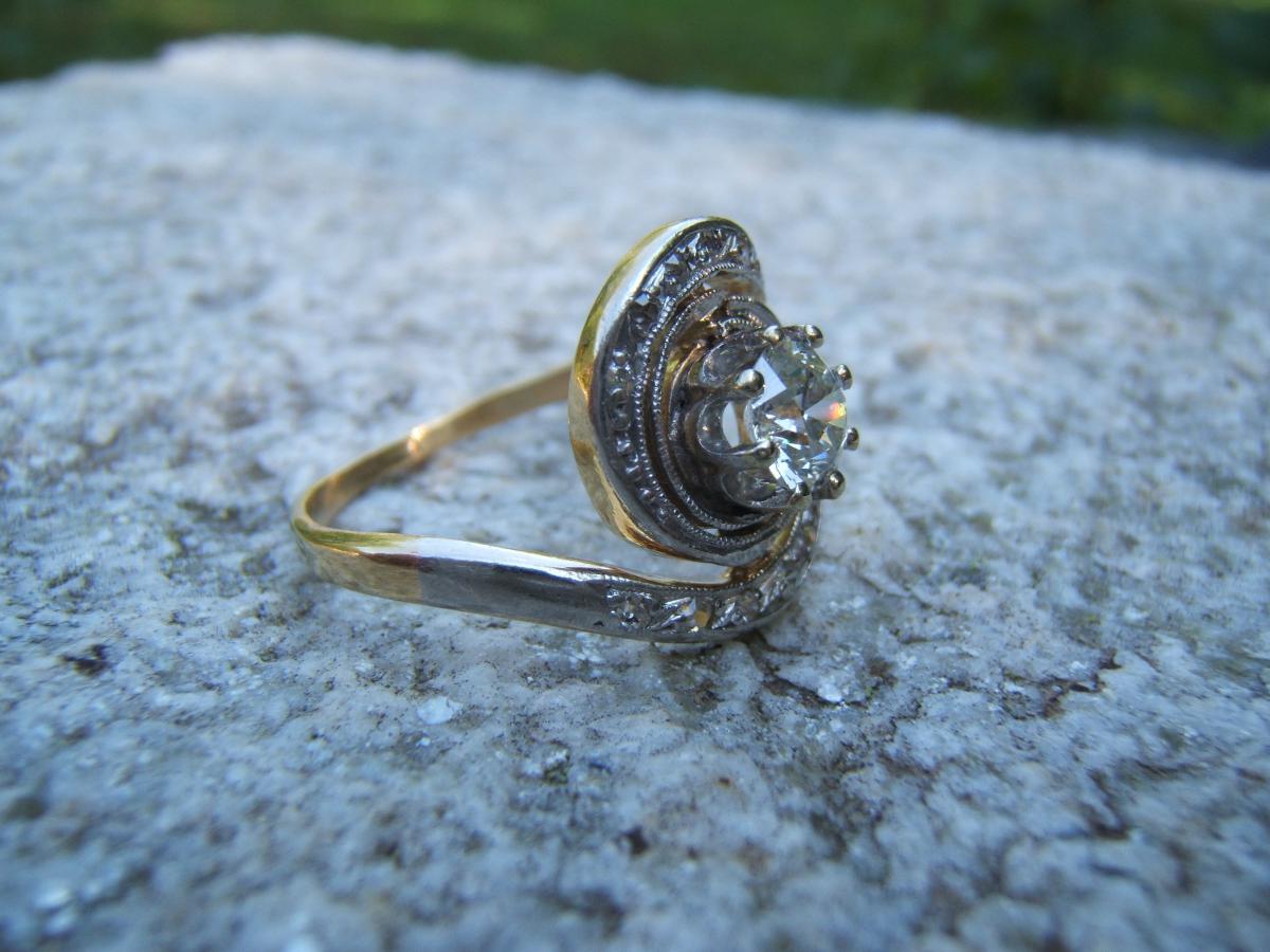 Bague ancienne tourbillon diamant