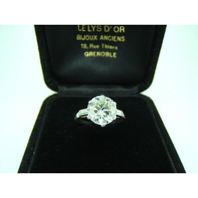 Bague solitaire diamant 2,77carats taille moderne.