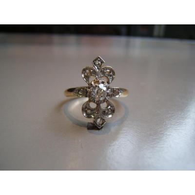 """Bague """" Fleurs de Lys """"Or et diamants XIXè."""