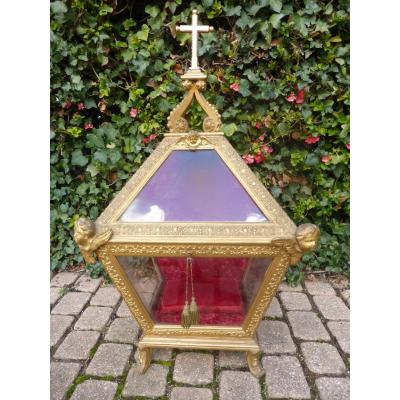 Hunting Reliquary In Dore Wood