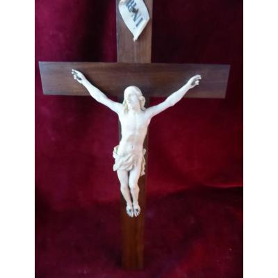 Crucifix Christ Ivoire