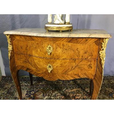 Curved Sauteuse Commode In Facade, Epoque Nineteenth Century