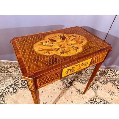 Table De Salon Aux Instruments de Musique