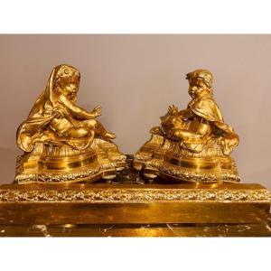 Paire De Chenets Aux Enfants En Bronze Doré  , Epoque Fin XVIIIe Siècle