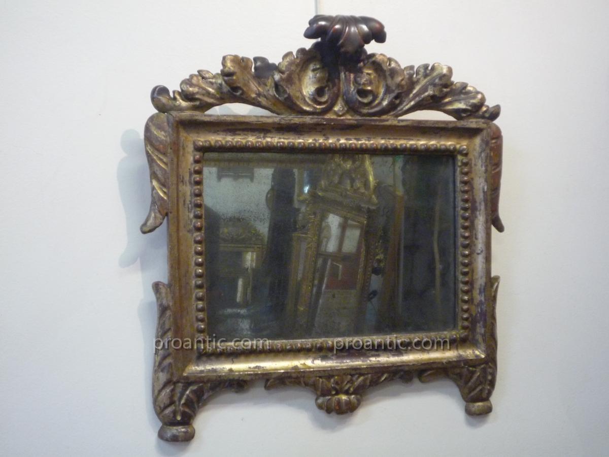petit miroir xviii me en bois sculpt argent miroirs. Black Bedroom Furniture Sets. Home Design Ideas