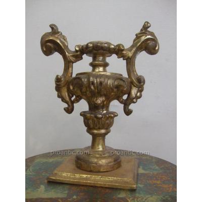 Objet décoratif en bois doré