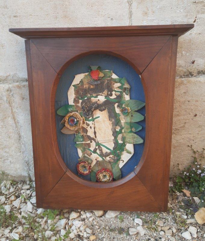 Niche d'applique oratoire cadre à fronton pour présentation en bois de chêne Eure Normandie Fin XVIIIème