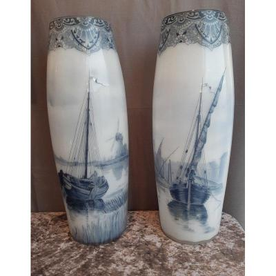 Legras Grande Et Belle Paire De Vases En Opaline Décor Delft émaillé De Bateau Et Moulin Hollandais
