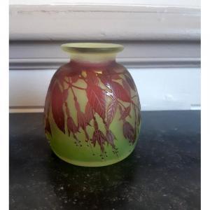 Emile Gallé Vase à Décor De Fuchsias Art Nouveau Ouraline