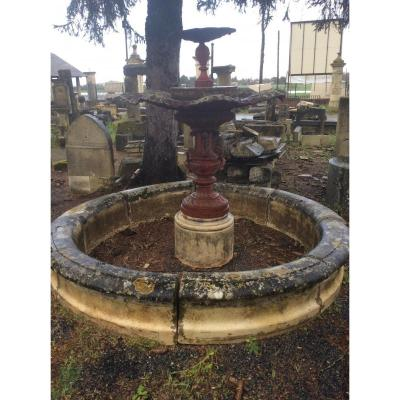 Fountain Period Late 18th Early 19th In Stone And Cast Iron