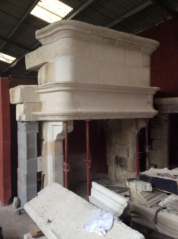 Beautiful Renaissance Fireplace In Stone From Crazannes-photo-2