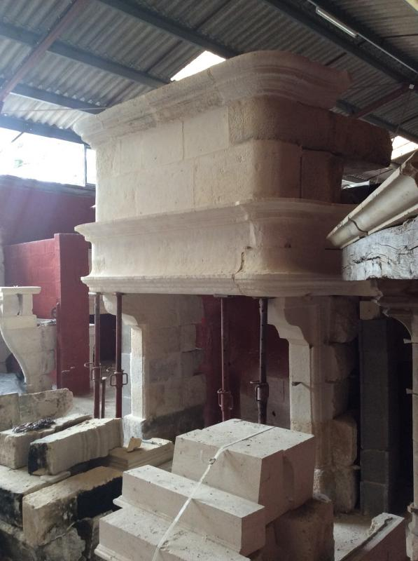 Beautiful Renaissance Fireplace In Stone From Crazannes-photo-3