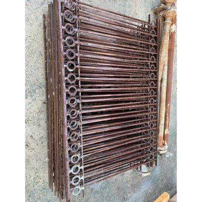 Lot Of 62 Meters Linear Grid With Hollow Bars