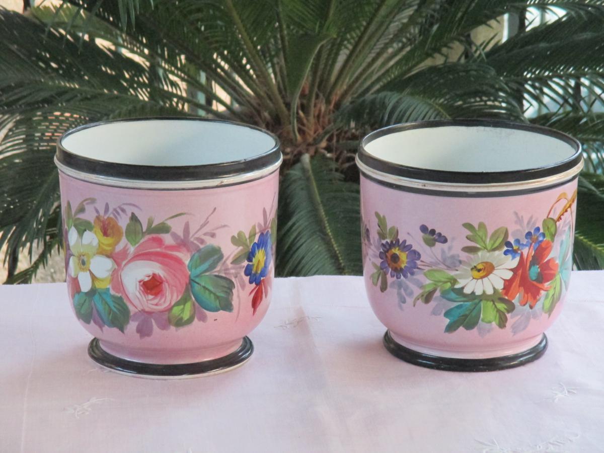 Paire De Cache  Pots En Porcelaine De Paris