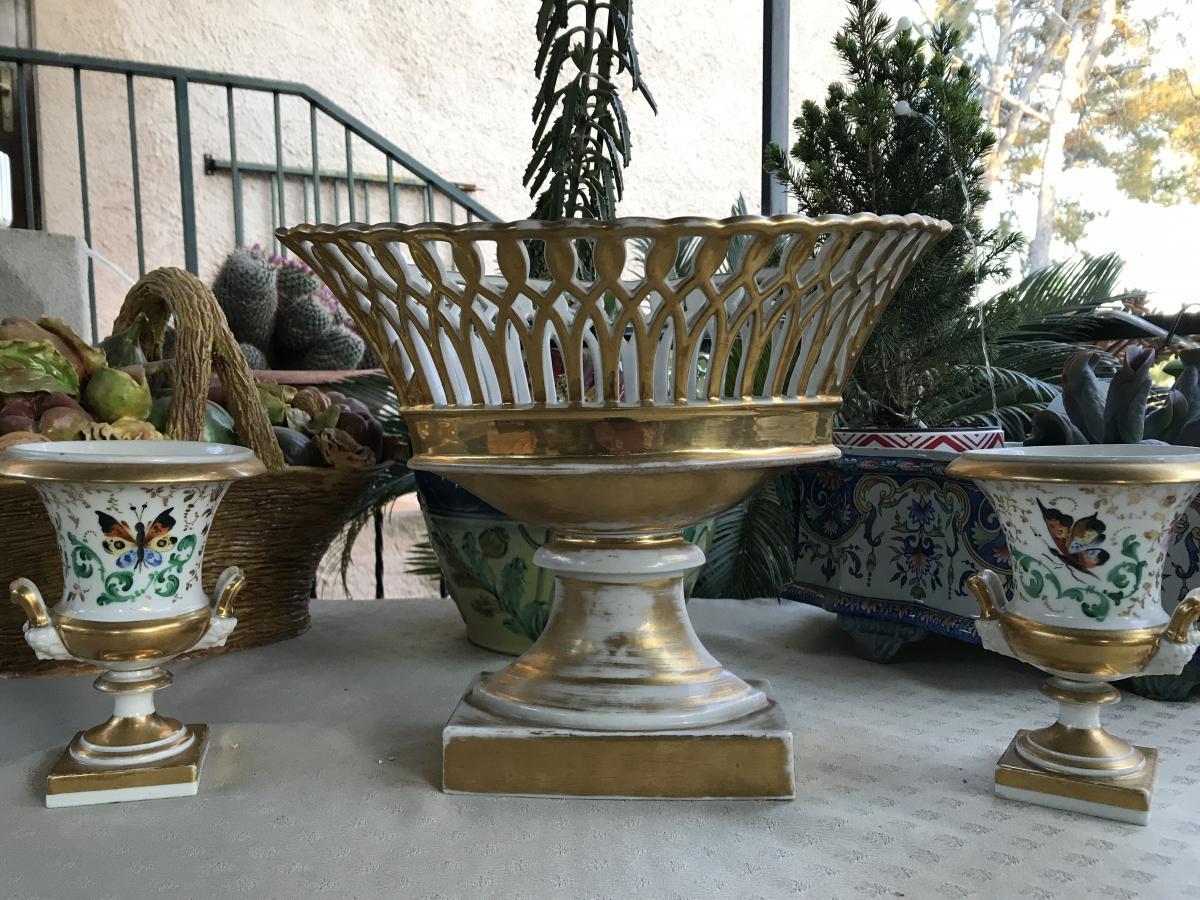 Coupe En Porcelaine De Paris  et petits vases medicis