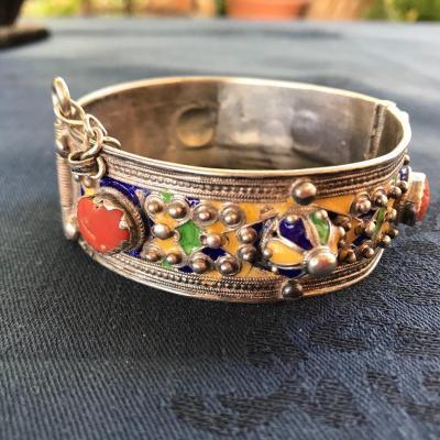 Bracelet Et Fibule. Berbère