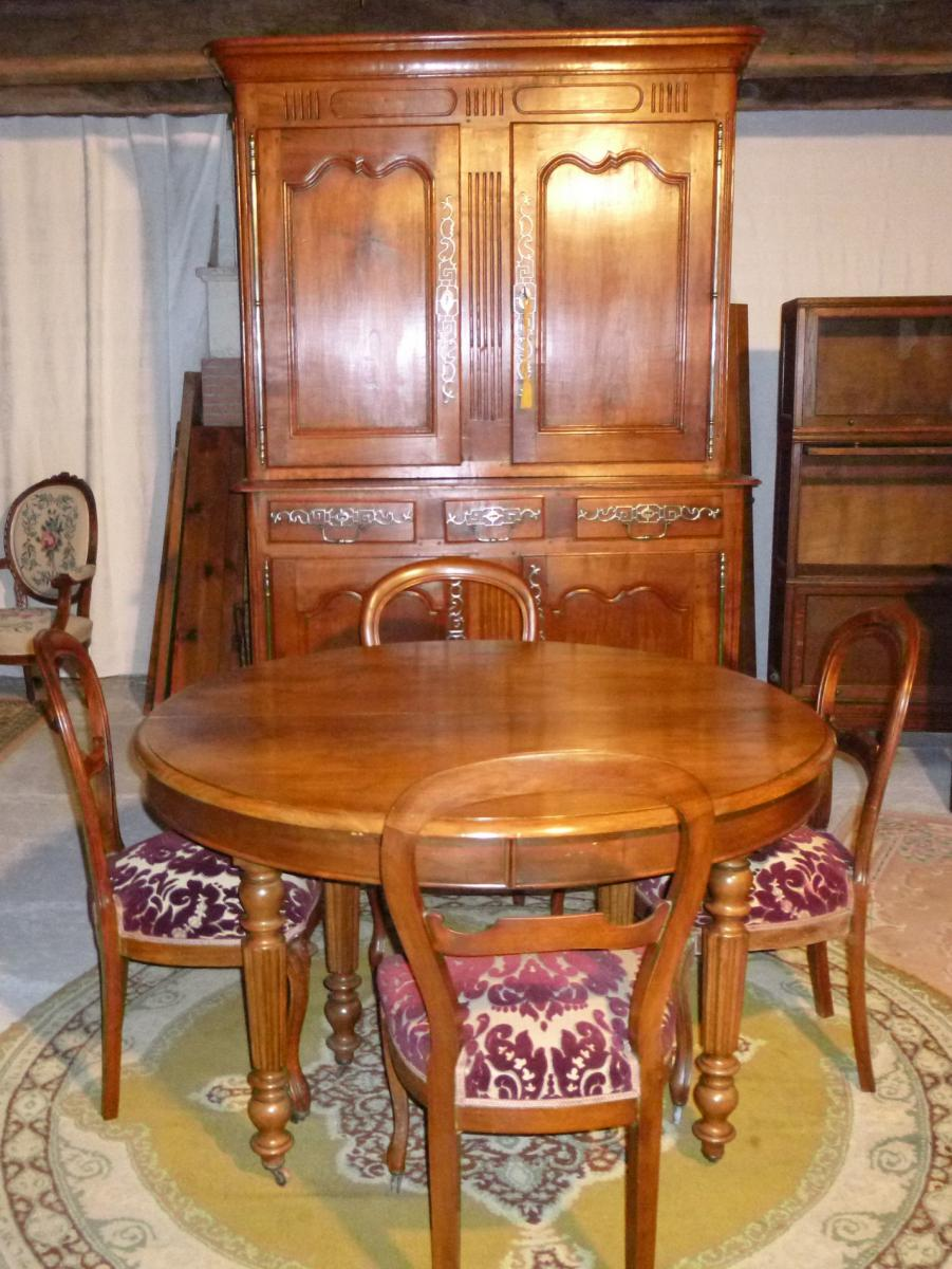 Table ronde 6 pieds en noyer bandeau louis philippe for Table 6 pieds