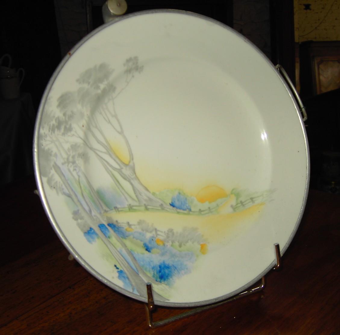 pin service dassiettes porcelaine multicolore vaisselle. Black Bedroom Furniture Sets. Home Design Ideas