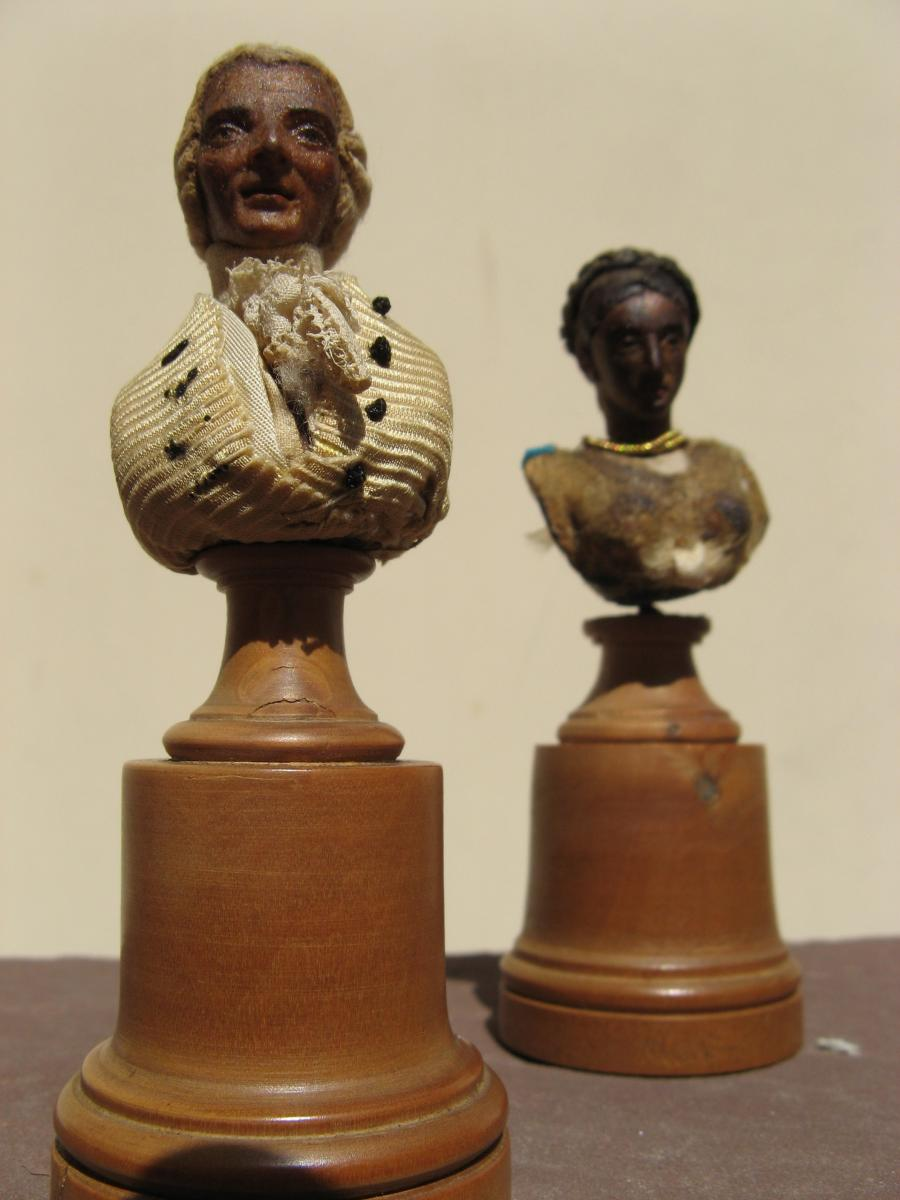 "MINI SCULPTURES HABILLEES : ""COUPLES DE MARQUIS"""
