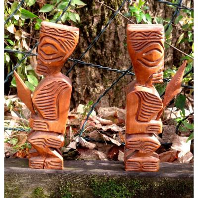 "Pair Of Bookhook ""tikis"""