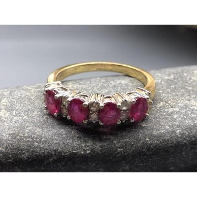 Bague En Or Jaune 18 Ct Avec Diamants Et Rubis.