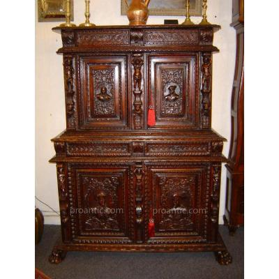 Buffet ancien sur proantic 17 me si cle for Lions du meuble