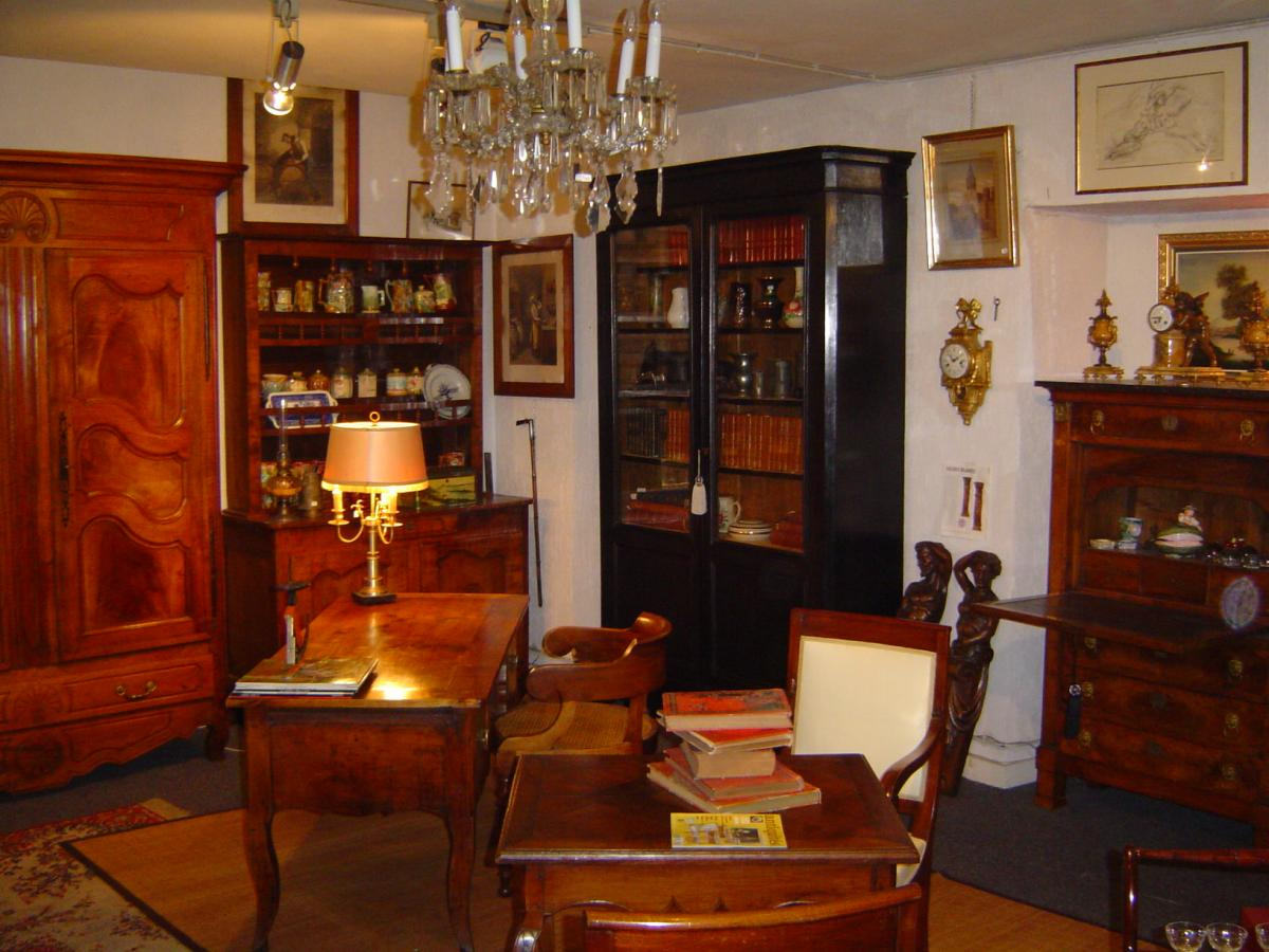la libert antiquit s. Black Bedroom Furniture Sets. Home Design Ideas