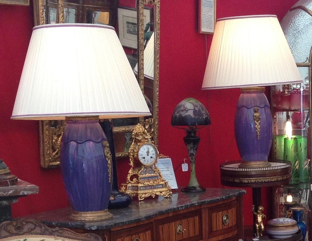 Paire De Lampes En Faïence Art Deco Monture Bronze Doré