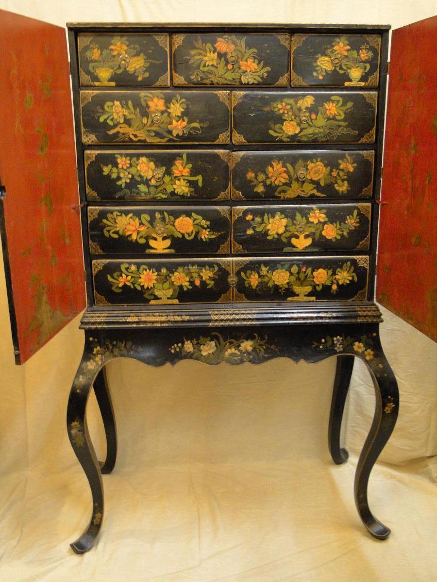 Cabinet A Decor Polychrome Angleterre Debut XVIIIeme Siecle
