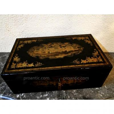 Large Writing Box In Chinese Lacquer Nineteenth