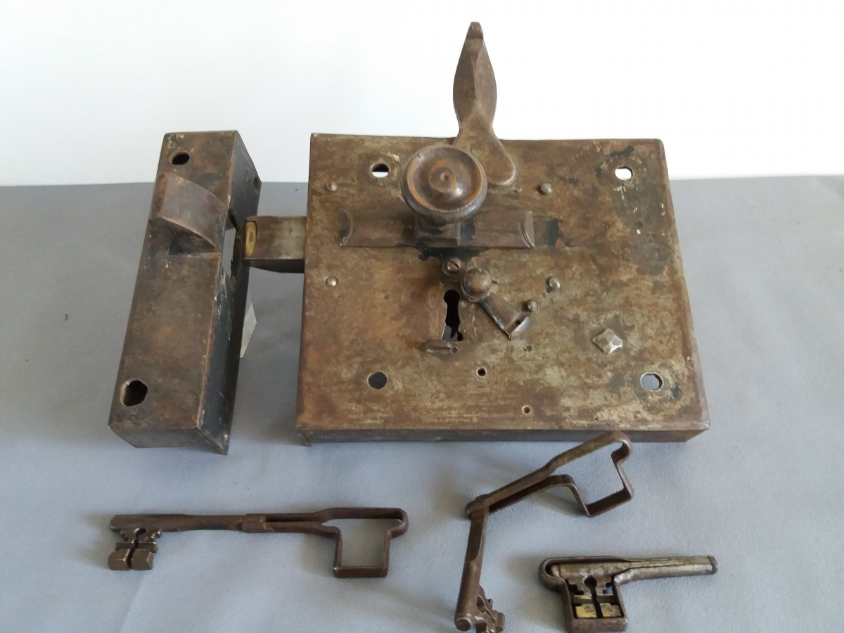 Lock 19th Century