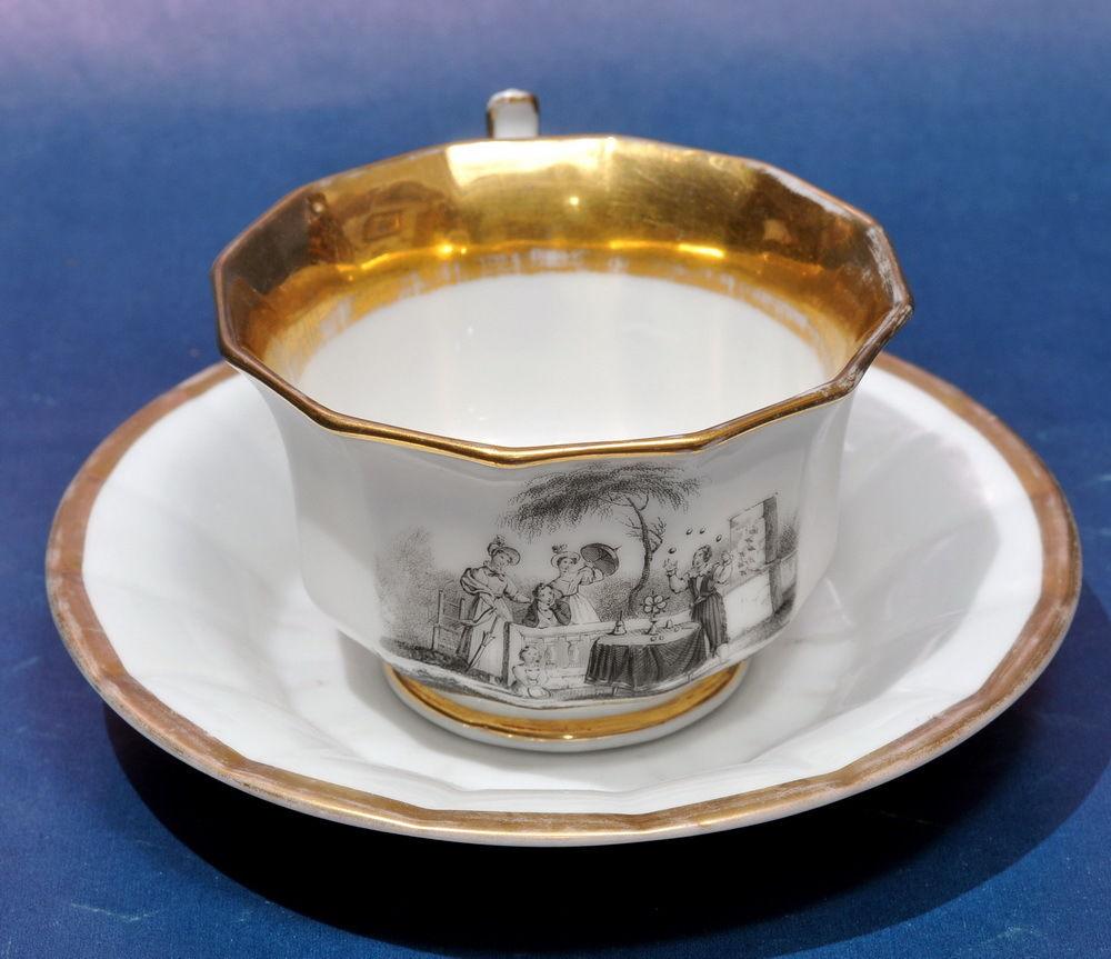 Porcelaine de Paris MAGICIEN ESCAMOTEUR 1820