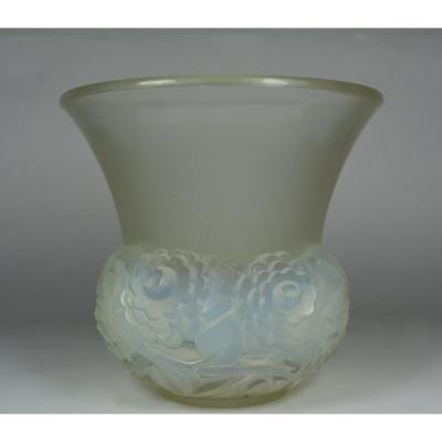 Rene Lalique, Ranunculus Vase, Around 1931